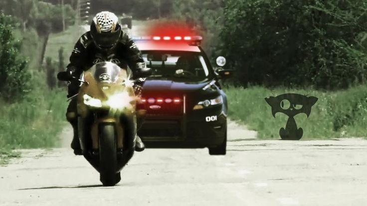 Motorcycle Police chase with funny final   Cops vs bikers   iMotoCat