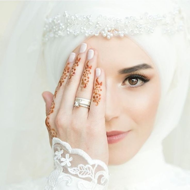 "228 Likes, 1 Comments - Hijab Wedding 4u (@hijabwedding4u) on Instagram: ""Photo by @esra.nalbantoglu"""