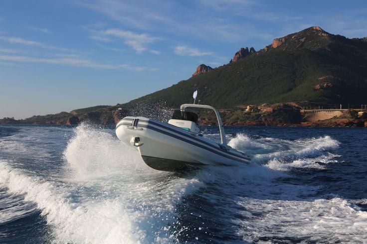 Wimbi Boats Pneumatique Bateau Yacht Semi-rigide Ocean W9i navigation Mer Capelli