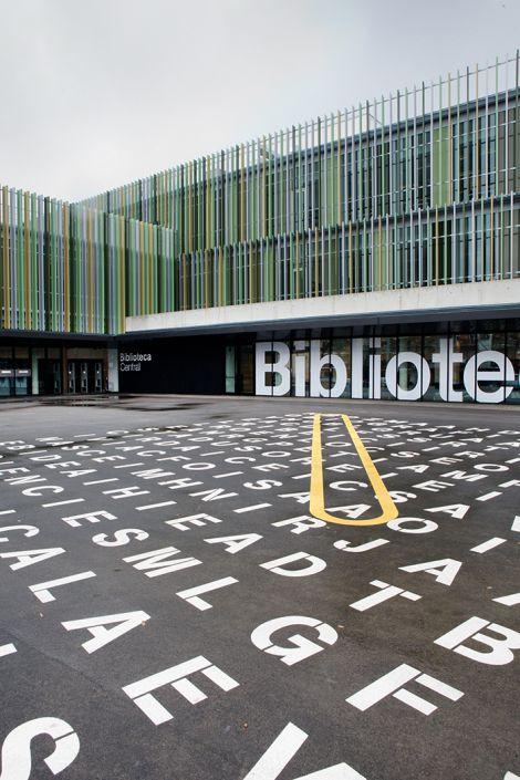 Sinalização Biblioteca Central de Castelldefels
