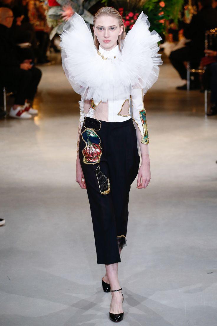 Défilé Viktor & Rolf Haute couture printemps-été 2017 9