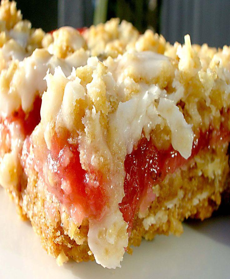 Strawberry Rhubarb Crumb Bars