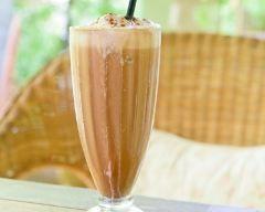 Milkshake aux spéculoos (facile, rapide) - Une recette CuisineAZ