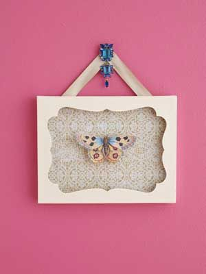 Transform old jewelry into home accents. Artwork Jewelry Accent