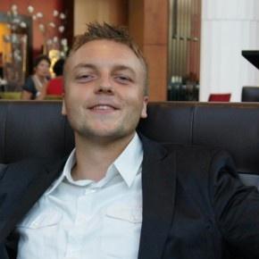 Siema. Jestem Karol, prowadzę bloga rolewicz.pl . Od zawsze interesowałem się sportem. Pierwszą dyscypliną jaką uprawiałem była piłka nożna.  http://blog.ruszamysie.pl/jestem-karol-pewnego-razu-przytylem-17-kg/