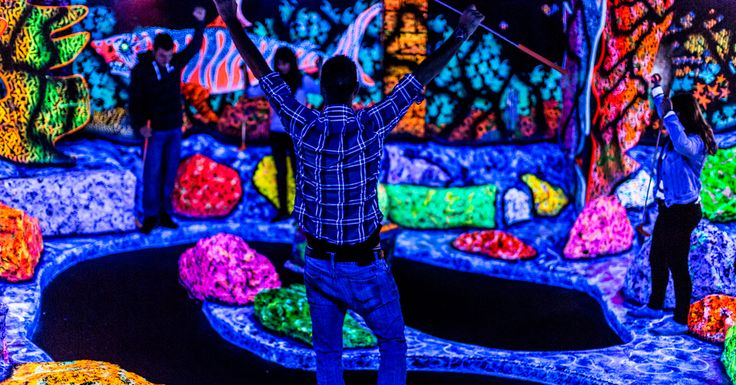 Take a deep breath and prepare to step out of reality into an illuminated universe that is impossible to put into words. Putting Edge provides a new and exciting twist on the traditional game of mini-golf with it's Glow In The Dark courses.