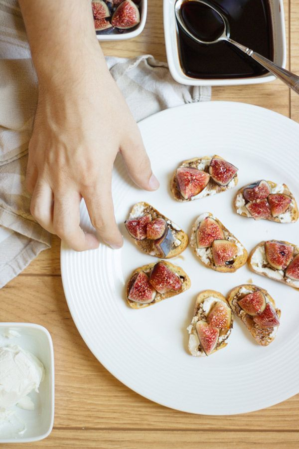 Balsamic Fig & Goat Cheese Crostini | Goat cheese, Figs and Goats