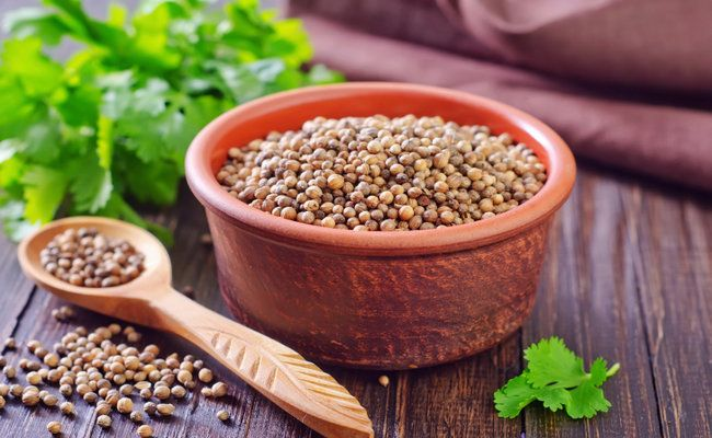 Coriander - Benefits   http://www.care2.com/greenliving/9-health-benefits-of-coriander-seeds.html