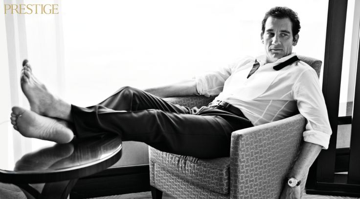 Clive Owen Barefoot Amp Famous In Varying Degrees