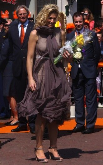 30 april 2011 - Thorn en Weert - Máxima op Koningsdag - Nieuws - Fashion