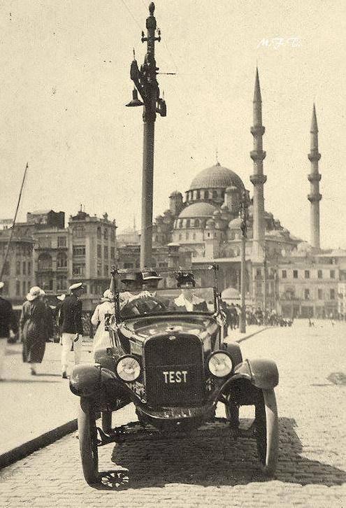 ✿ ❤ Bir Zamanlar İSTANBUL,  Galata (1930'lar).