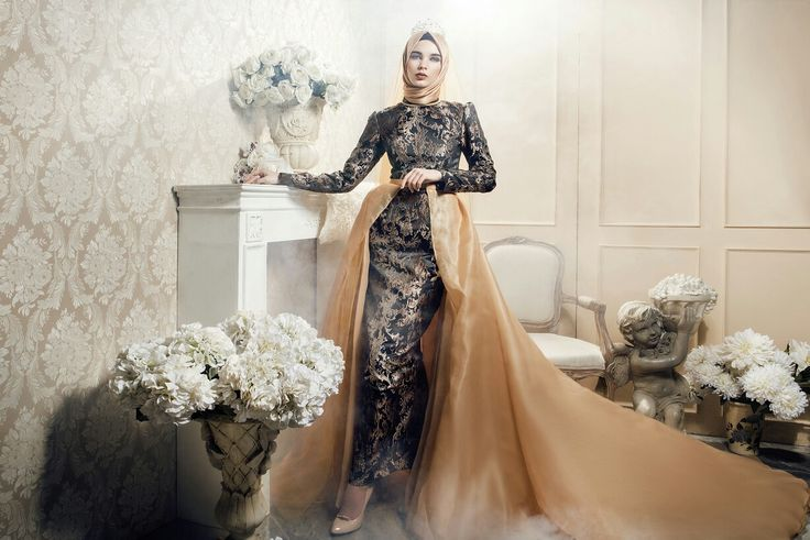 #fashiondesigner #moslem #bride #longdress #premium #prewwdding #wedding #jacquard #satin #gold #eveninggown #arabian #turkey #bosnia #dubai #malaysia #semarang #travel #fashion #indonesia #nilapurri@muslimfashion @motivasimuslimah @muslimladies @muslimbride @moslemwedding @hijabmuslim @hijabfashion