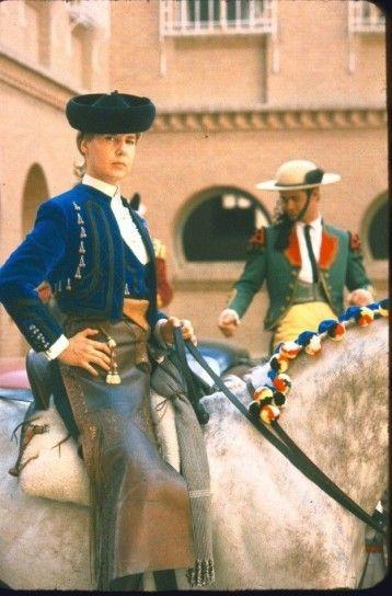 El estilo particular de la Duquesa de Alba: fotos de los looks
