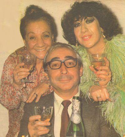 Adile Naşit , Şener Şen ve Ayşen Gruda yılbaşı gecesi için birarada....1984