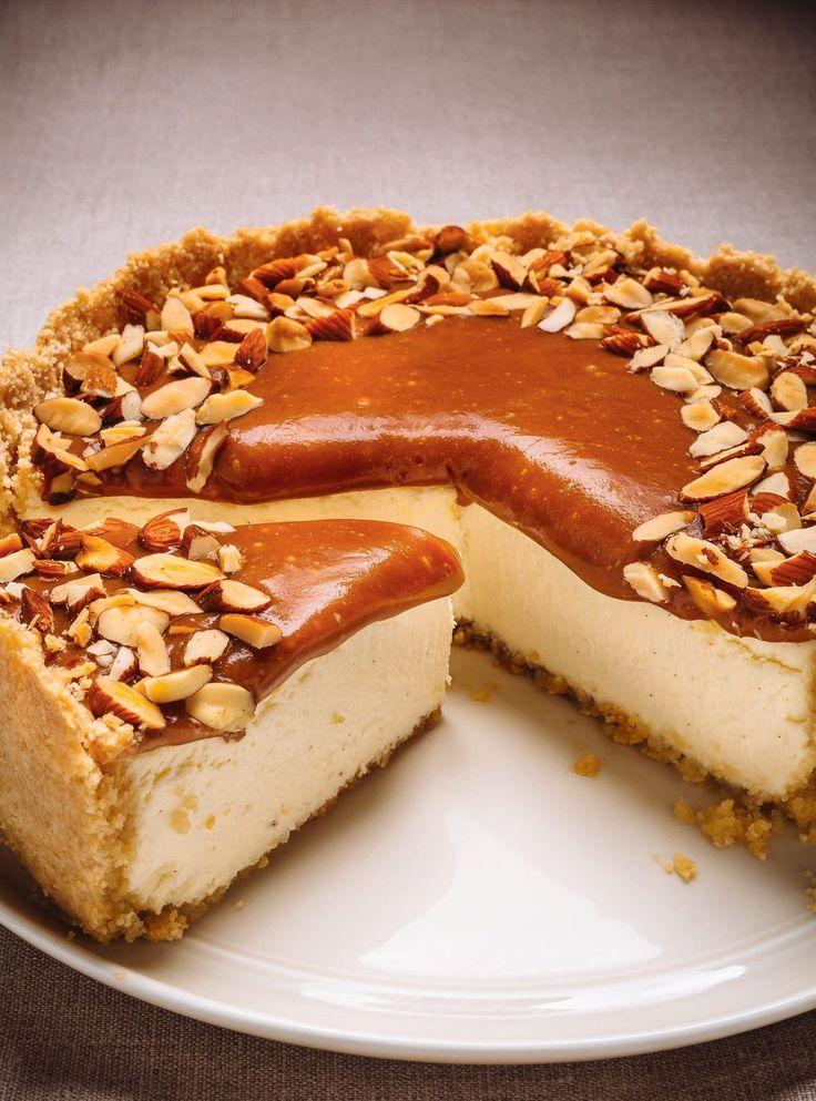 Recette de Ricardo de gâteau au fromage au caramel et aux amandes
