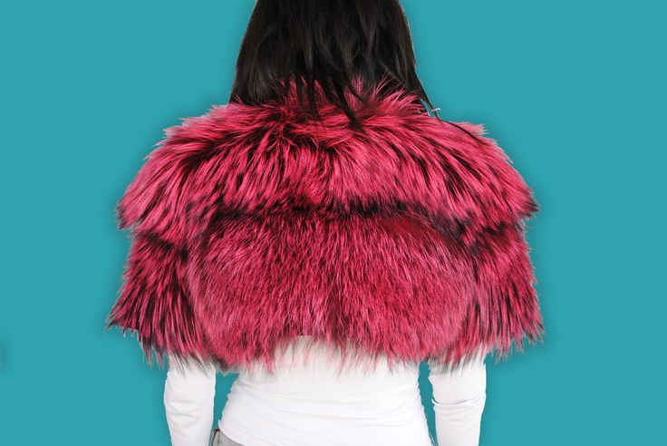 Get yourself immersed in the colour culture of fur with this edgy fuchsia coloured small fox vest.