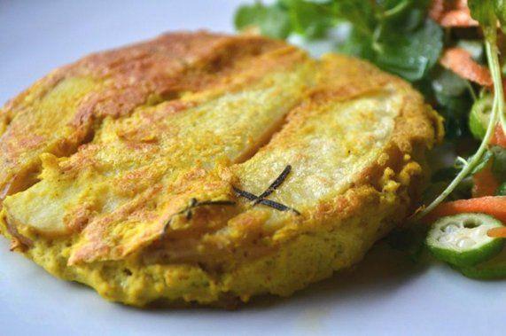 Tortilla espanhola (omelete vegana com batata assada)   Receita