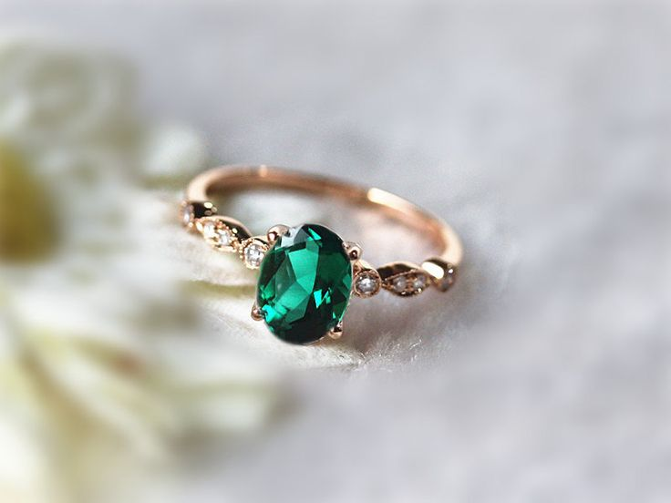 Emerald Wedding Anniversary Gifts: 1000+ Ideas About Emerald Ring Vintage On Pinterest