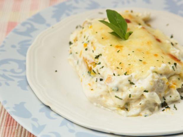 Aprenda deliciosas receitas com peixe e frutos do mar - Lasanha de bacalhau