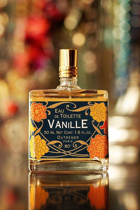 I don't really like vanilla perfume...but this photo is awesome and I like the bottle and label design.