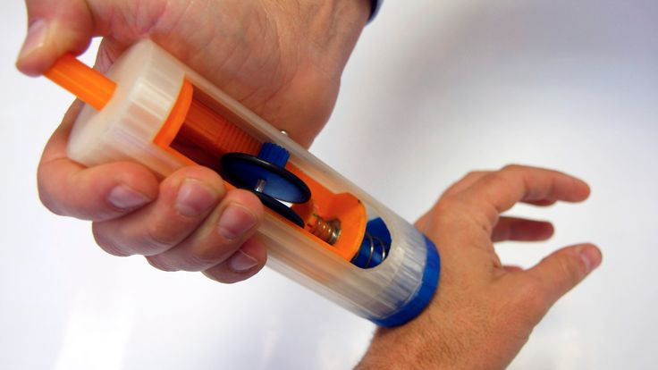 A team of Spanish researchers has created a new device that significantly cuts down the time required to perform a skin biopsy. The new method doesn&#…