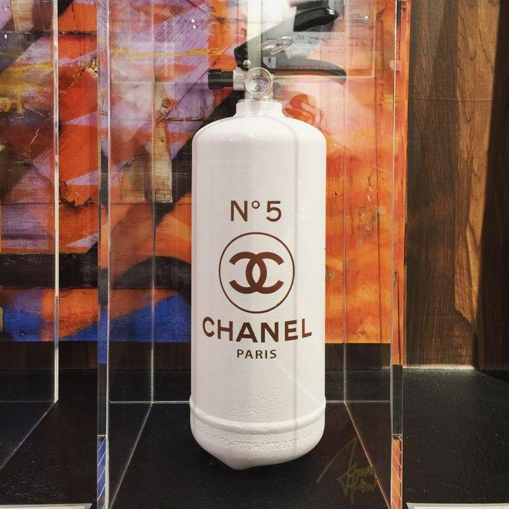 #fireextinguisher #object #chanel #シャネル #希少 #1点のみ #lifeaccent #ライフアクセント #gallerylifeaccent #ギャラリーライフアクセント #青山 #表参道 #骨董通り #fashion #luxury #beautiful #cute #cool #interior #popart #pop #rich #上質 #lifestyle #fun