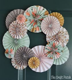 The Craft Patch: Accordion Fold Paper Wreath