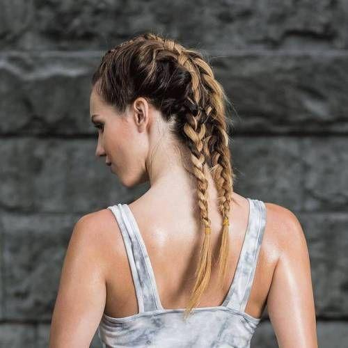 Qual o seu penteado favorito para treinar? Nós gostamos de tranças elegantes. #sporthairstyle #braids  Tag someone with style!  Esperamos por si… Siga-nos ▶ Instagram | Facebook: @thetree.wellness  Fale connosco ▶ twitter: @thetreewellness  Veja mais ▶...