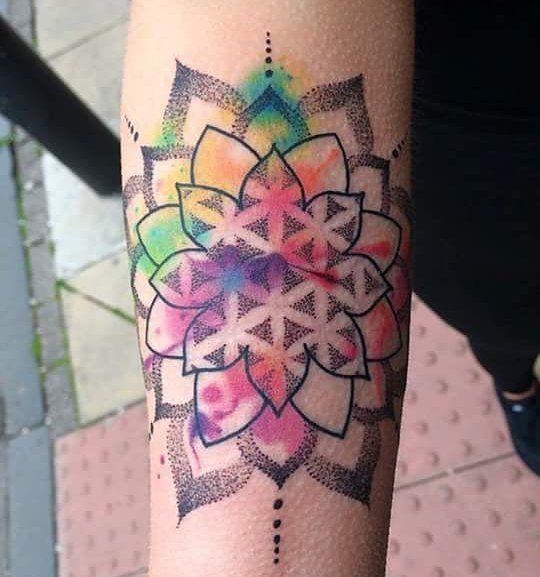 Awesome design by tammi #voodootattooclub #tammifoxton #dots #dotwork #dotworktattoo #mehndi #watercolour #watercolourtattoo #tattoosforgirls #girlytattoo #girlswithtattoos #femaletattooartist #tattoo #tattooidea #tattooinspiration #dunfermline #scotland #tattooandpiercing by voodootattooclub