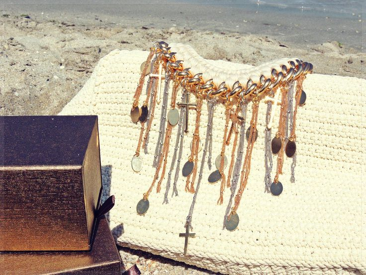 - summer necklace -
