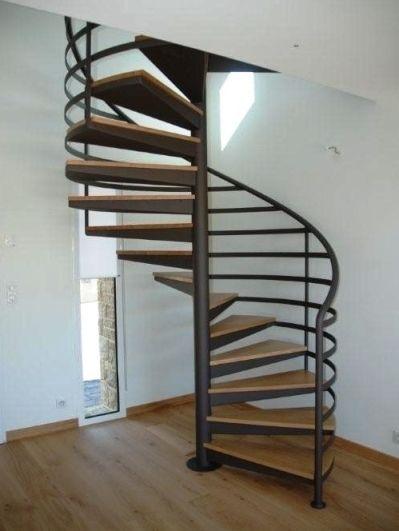 escalier helicoidal occasion trouvez le meilleur prix sur voir avant d 39 acheter. Black Bedroom Furniture Sets. Home Design Ideas