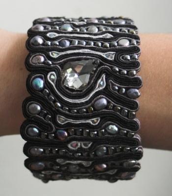The anthracite soutache bracelet