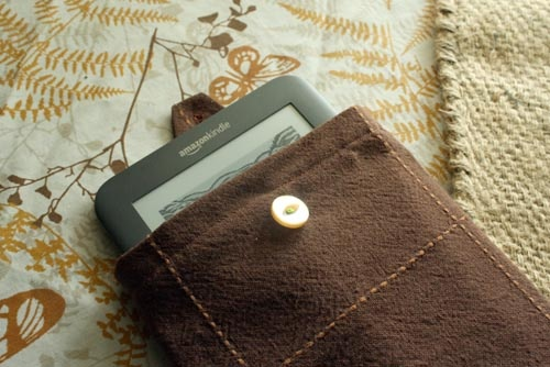 How-to: Make an Upcycled Kindle Case in 10 Steps
