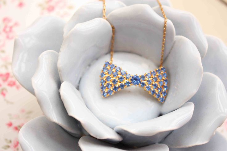 Bow necklace by Sweetcase https://www.facebook.com/pages/sweetcase/367293450269?ref=hl