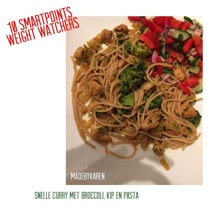 Heerlijk weight watchers recept gemaakt. Snelle curry met broccoli, kip, kerrie en een heerlijke rode paprika salade.