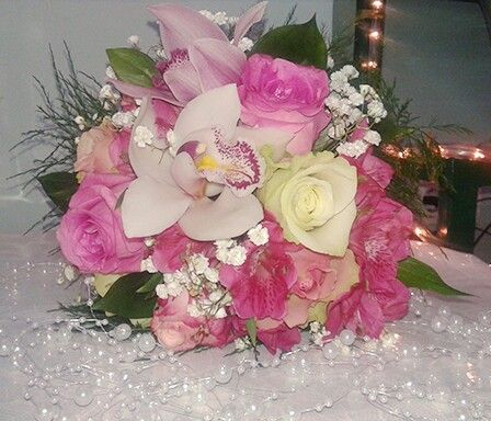 Lovely pink wedding bouguet with orchids