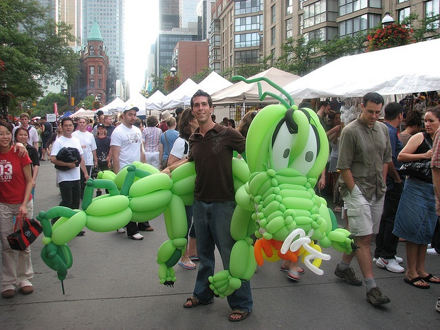 There are ballon animals and then there are BALLOON animals by ricmcarthur, via Flickr
