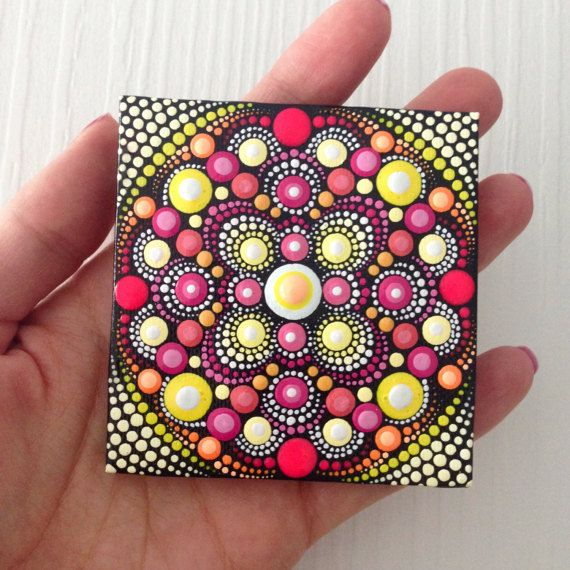 Ursprüngliche Mandala-Malerei auf Leinwand von CreateAndCherish