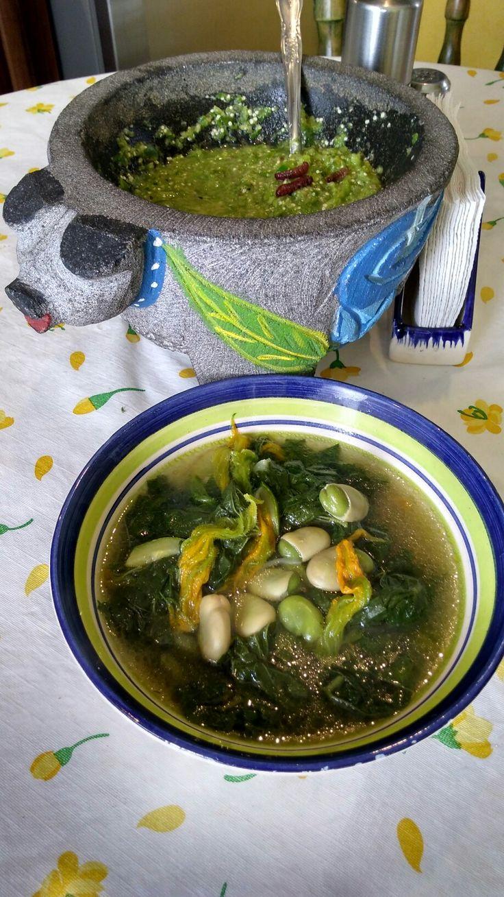Sopa de malvas  con salsa  de chinicuil estilo Hidalgo