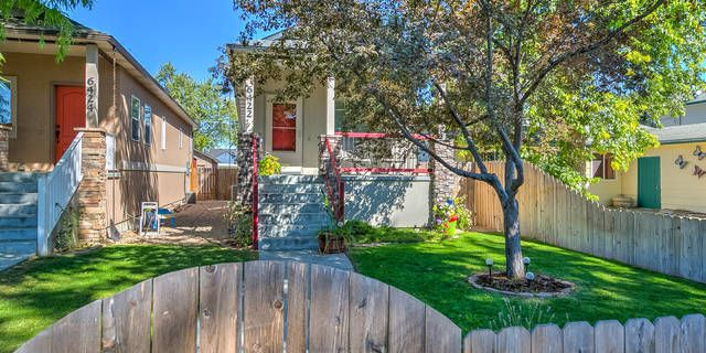 2 500 Paint Allowance With Accepted Offer Price Improved Perfect Location Close To Shopping Convenienc Low Maintenance Backyard House Tours Patio Deck