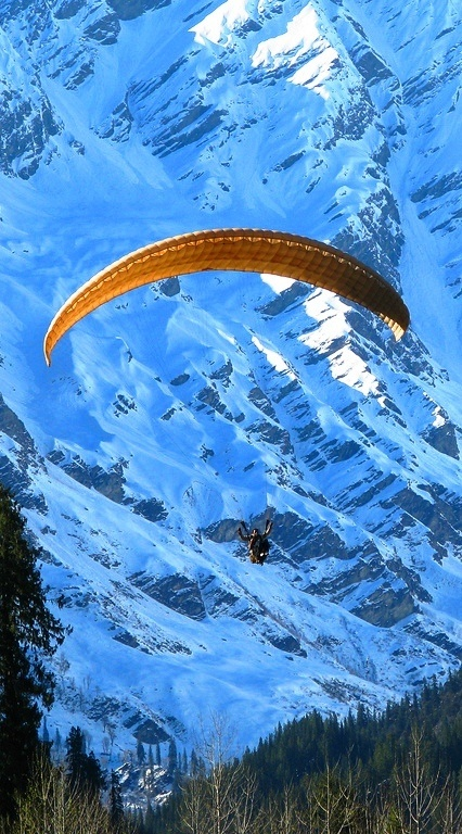 Manali is the most picturesque hill town in India which is amid in the state of Himachal Pradesh.