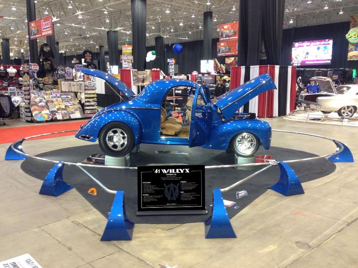 Great for Good-Guys, ISCA, SEMA and any other   Car Show that you attend.  We are The ORIGINAL Retractable Show Board   Company.
