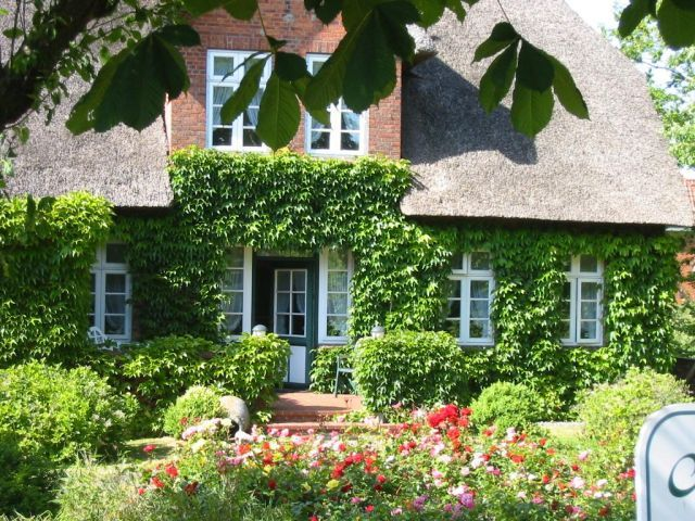 hobbit haus kaufen hobbit haus mieten holland hobbit fr. Black Bedroom Furniture Sets. Home Design Ideas