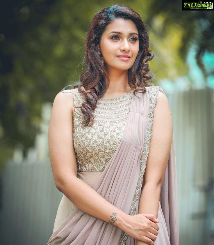 Actress Priya Bhavani Shankar Latest Stills: Actress Priya Bhavani Shankar 2018 Latest Photo Shoot