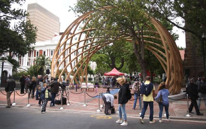 An 'Arch' for the Arch - South Africa's beloved Archbishop Emeritus, Desmond Tutu  celebrated his 86th birthday on Saturday 7th October 2017. The Arch, as he's affectionately known, has been honoured with a monument, symbolising his strength and resilience. The striking Arch for Arch monument has been erected between St. Georges Cathedral and Parliament in Cape Town. Archbishop Emeritus Desmond Tutu was joined by Cape Town Mayor Patricia de lille at the ribbon cutting ceremony.