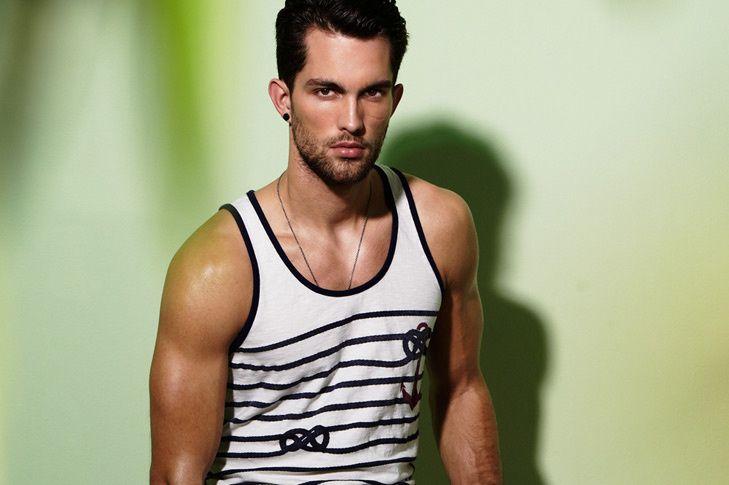 hombres gay modelo