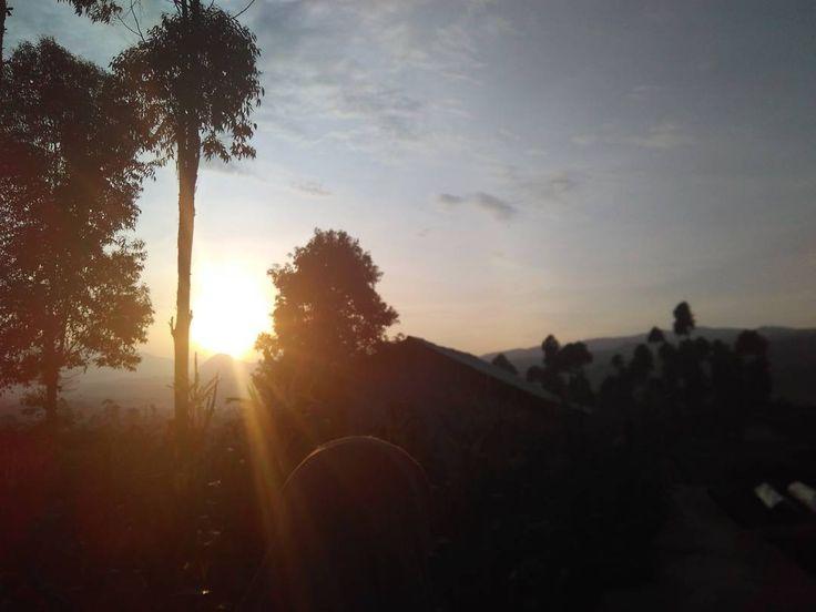 """""""Terbitlah terang.... #hikingjabar #sunrise #bukit #landscape #jawabarat"""""""