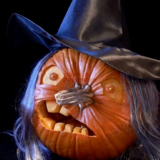 Witch pumpkin: Made one for a pumkin carving contest. and won! ;)