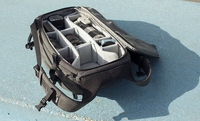 Carryology on the Incase DSLR Pro Pack