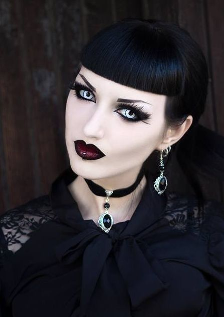 Beauty Tickles! - Gothic Life